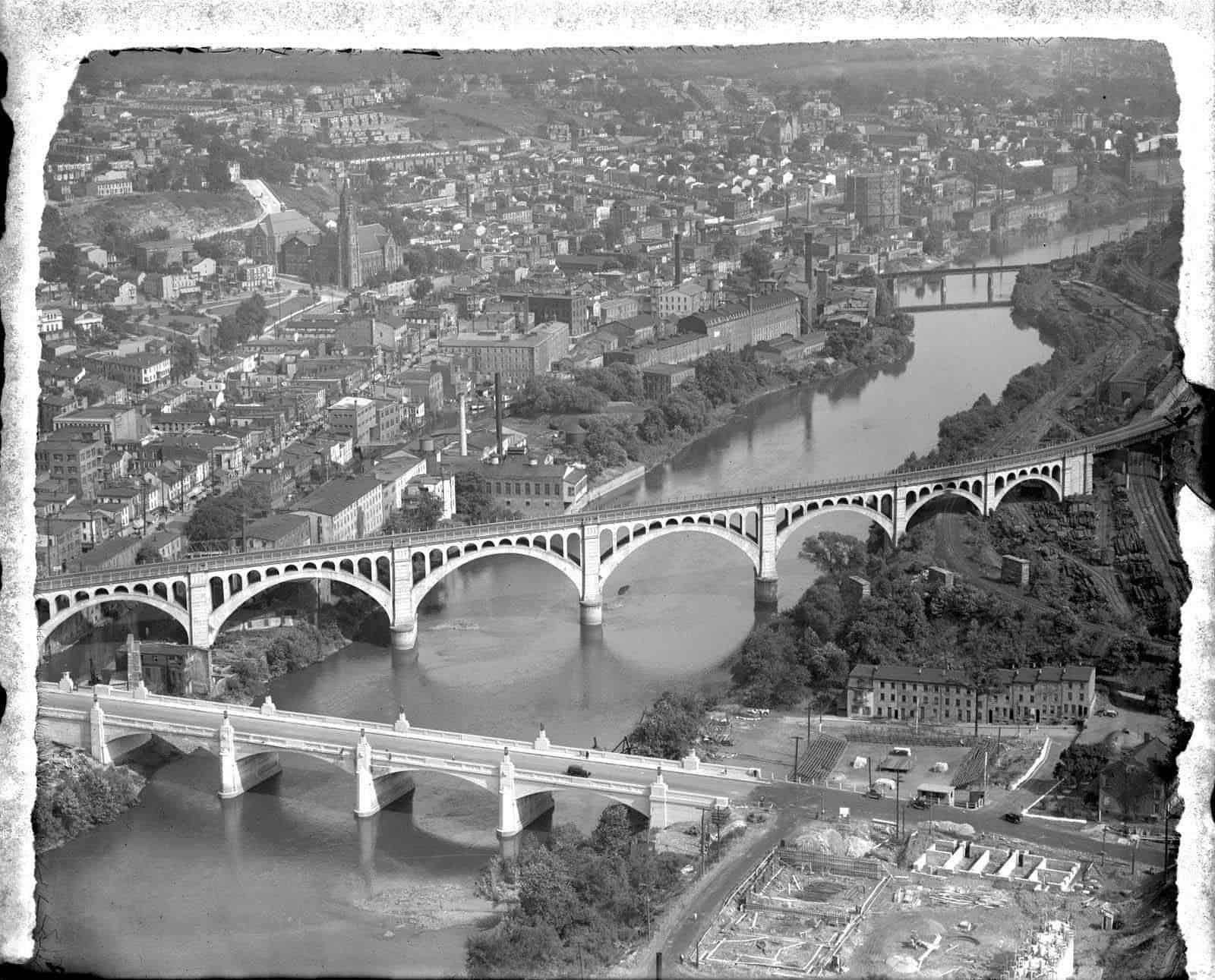 Pennsylvania Railroad, Manayunk Bridge, Spanning Schuylkill River & Green Lane, Manayunk, Philadelphia. ca. 1928 (P.8990.8844)