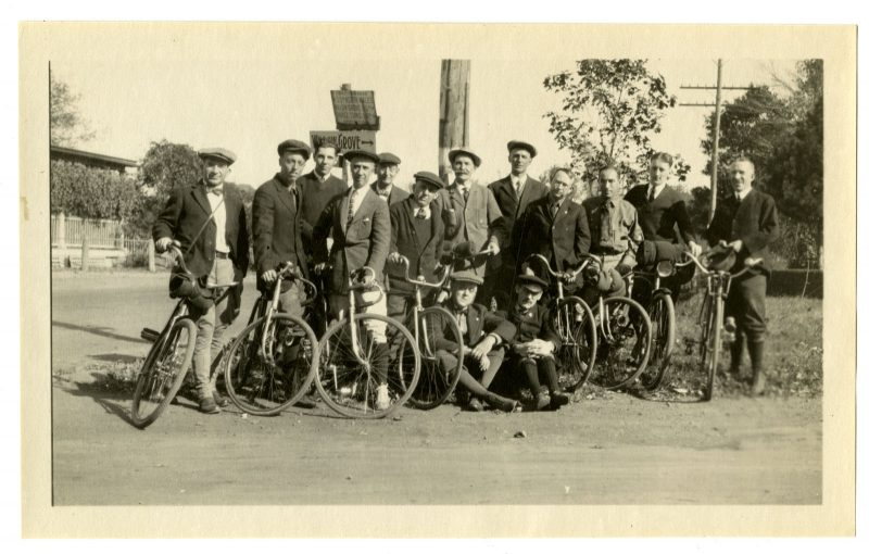 Marriott Canby Morris. Veteran Wheelman Asso[ciation] at the Penn Hotel, 1921. Gelatin silver print. Marriott C. Morris Collection.