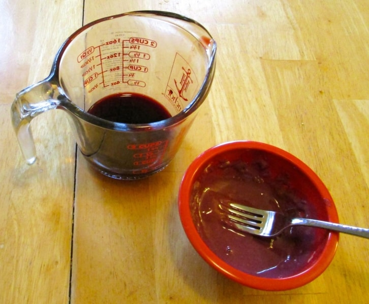 Thickening agent made from reserved cherry juice and flour