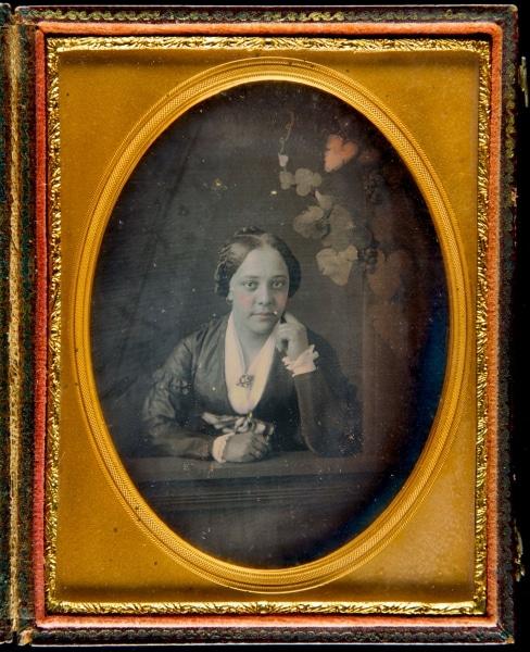 Samuel Broadbent, Portrait of an Unidentified African American Woman (Philadelphia, ca. 1850). Daguerreotype.
