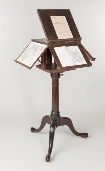 Revolving Stand open (with reproduction base) (New York, 1790). Owned by Thomas Jefferson. Images courtesy of the Thomas Jefferson Foundation at Monticello.