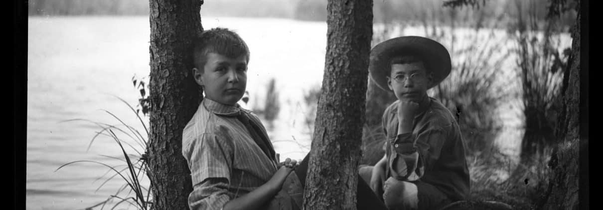 Elliston Perot Morris Jr. and Marriott Canby Morris Jr. on Pocono Lake, 1909. P.2013.13.361.