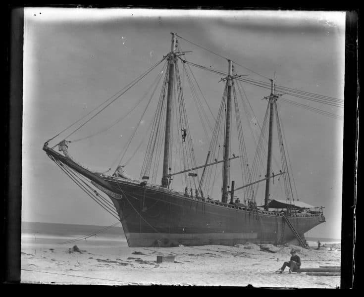 Morris collection, beached ship.